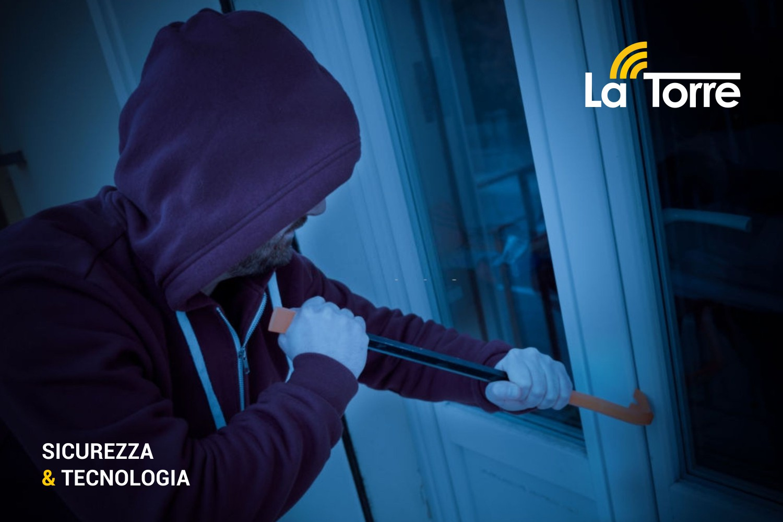 SVENTATA RAPINA A SAMPIERI: Ladri bloccati nonostante in possesso di un sofisticato dispositivo per disturbare le frequenze dell'impianto di allarme.
